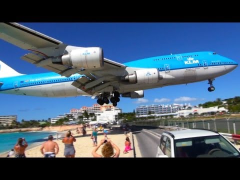 NEW! ✈ Boeing 747 LOW Landing & Jet Blast at SXM Sint Maarten