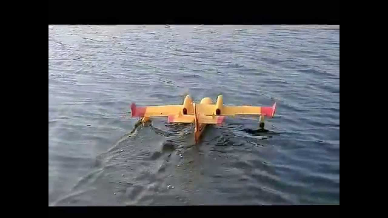 Canadair CL 415 Flugboot Amphibious Plane RC In Nesse Mit