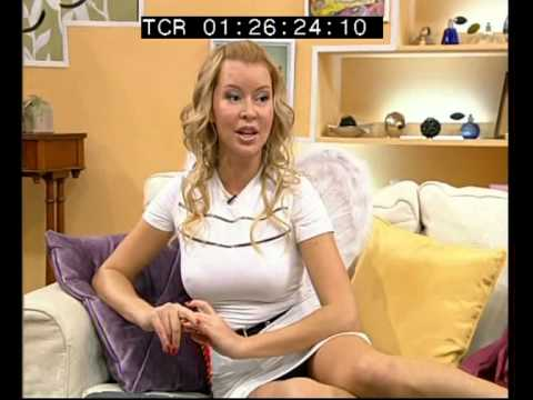 Sexy Liya ведущая Утро на ТНТ. JUNTOS DE NUEVO - Programa 1 con Pavel Aram