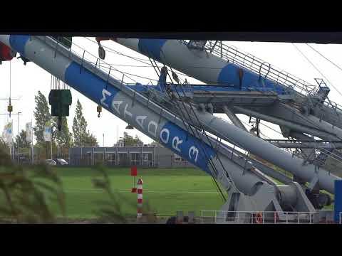 MATADOR 3 - Crane Ship