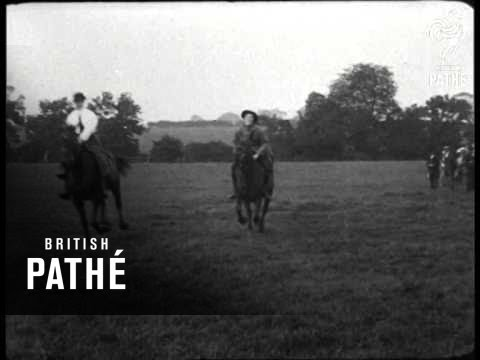 women-war-farm-workers-hold-harvest-show-(1917)