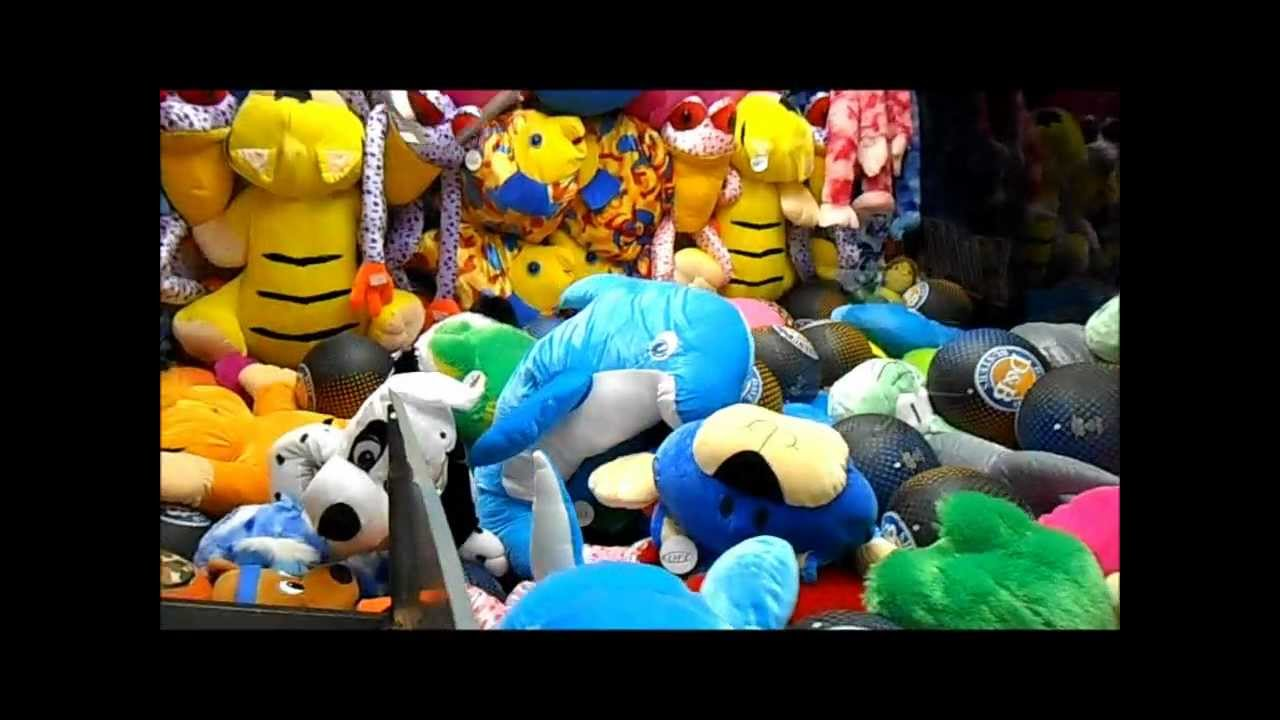 The Big One Claw Machine Wins At Dave Buster S Youtube