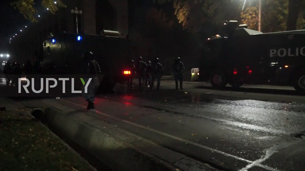Video thumbnail for: Kyrgyzstan: Clashes erupt during Bishkek protest over election results