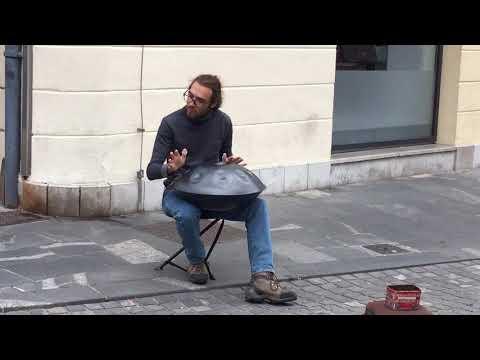 2017-10-05 Street Artist in Ljubljana