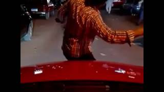 مصري يرقص على اغنيه رضا البحراوي في الشارع  مبقاش عندي ثقه في حد