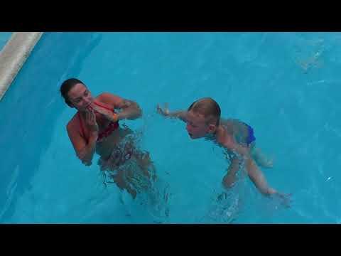 Плаваем в бассейне / Анапа / Отель Beton Brut / Swimming In The Pool бетон брют анапа