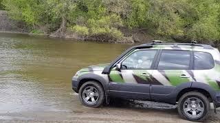 """Chevrolet NIVA комплектация LE+ цвет """"камуфляж"""". Маленькие внедорожные тесты."""