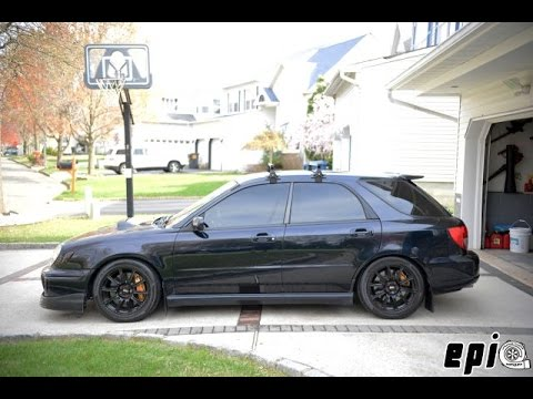 Remove Tail Lights on 02-03 Subaru WRX Wagon - YouTube