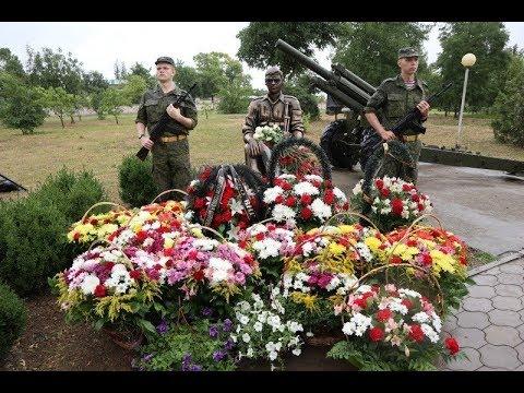 Памятник павшим воинам открыли в Зеленокумске