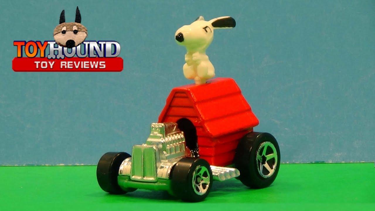 Snoopy Race Car