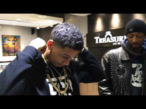 Lil Bibby Grabbing A Cuban Link At Treasures Jewelry Chicago