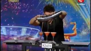Repeat youtube video Chàng trai pha chế rượu gây sốt chương trình Ukraine's Got Talent