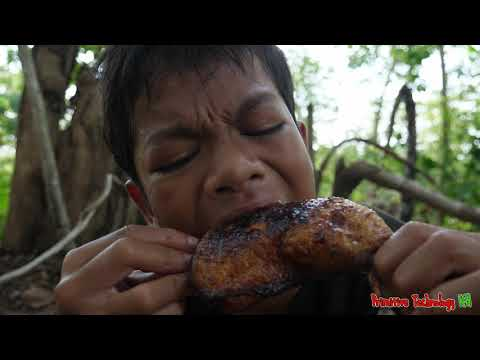 Primitive Technology - Eating Delicious In Jungle - Cooking Chicken #133