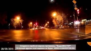 Ночные гонки дорогих иномарок  в Тюмени на красный сигнал светофора