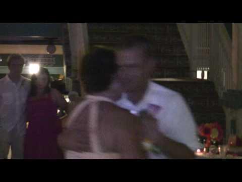 very-emotional-mother-son-wedding-dance