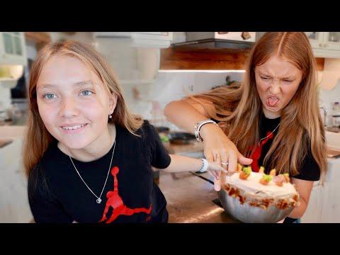 🥕  TORT cu 1kg de MORCOVI! Surpriză pentru ziua Sarei!