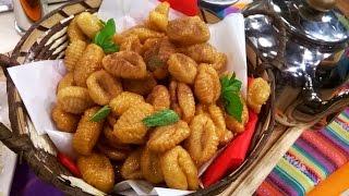 Turdilli, ñoquis fritos de canela bañados en miel
