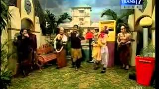 Lagu dan Adegan Lucu Wayang Opera Van Java