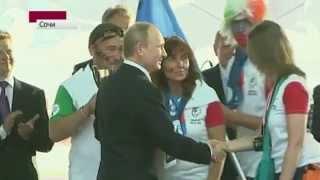 В. Путин наградил * Черноморскую парусную регату *в Сочи.