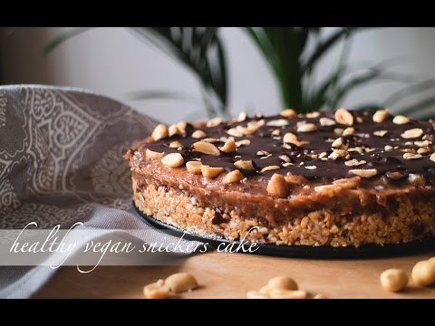 HEALTHY snickers cake - 100% VEGAN and almost raw!