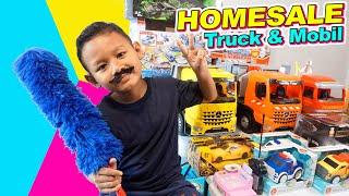 Praya Jadi Penjual Mainan Mobil-mobilan