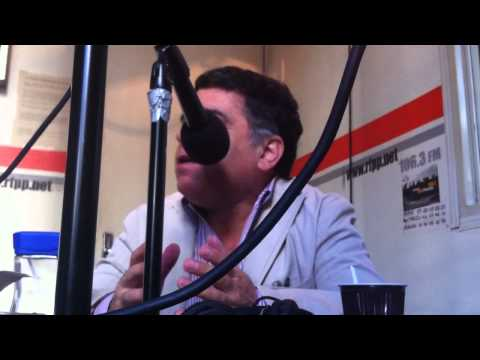 Elqui Burgos entrevistado en Fréquence Paris Plurielle