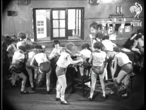 French Chorus Girls (1929)