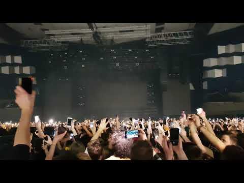 Twenty One Pilots - Crowd sing after Car Radio  Live  in Vienna 17.2.19