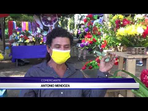 COMERCIANTES DE ARREGLOS FLORALES EN CEMENTERIO SAN MIGUEL