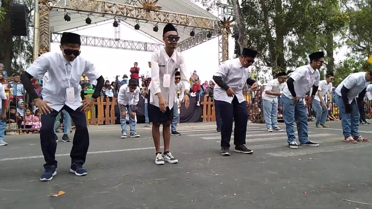 Baris Berbaris Lucu Kocak Dukuh Sidomulyo Pengasih Karnaval Kulon Progo 2019
