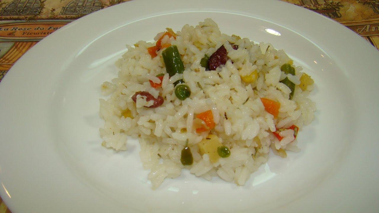 Простое, вкусное, ароматное блюдо из риса и овощей, прекрасно подходящее для постного меню.