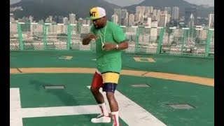 Floyd Mayweather Shadow Boxing In Hong Kong Proves He Didnt Fall Off