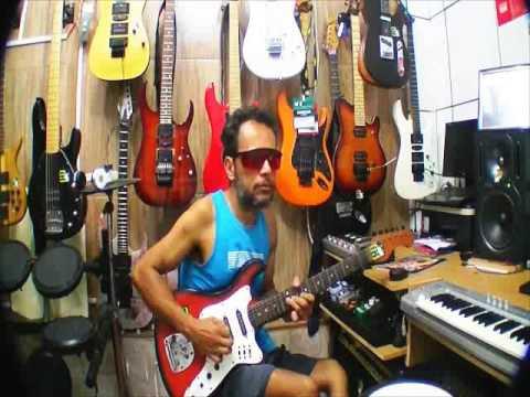 Gilneyparson Tirando Um Som Da Guitarra Tonante Finder
