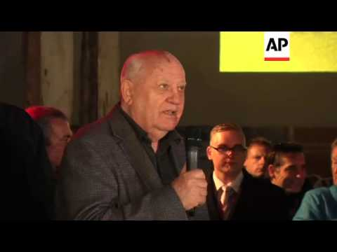 Former Russian premier Gorbachev visits Checkpoint Charlie ahead of wall anniversary