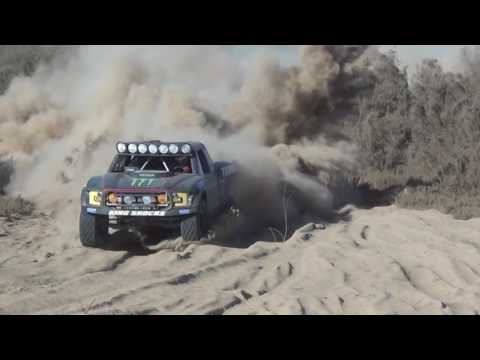 Manic Monday! Highlights from Race Mile 156 from the 2016 Baja 1000