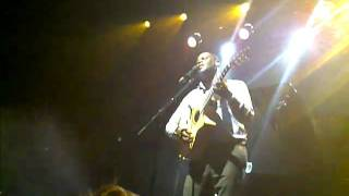 "brian mcknight performs ""can you read my mind"" @ sound academy Valentine"