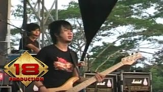 Download Mp3 D'masiv - Ilfil  Live Konser Jambi 24 Maret 2008