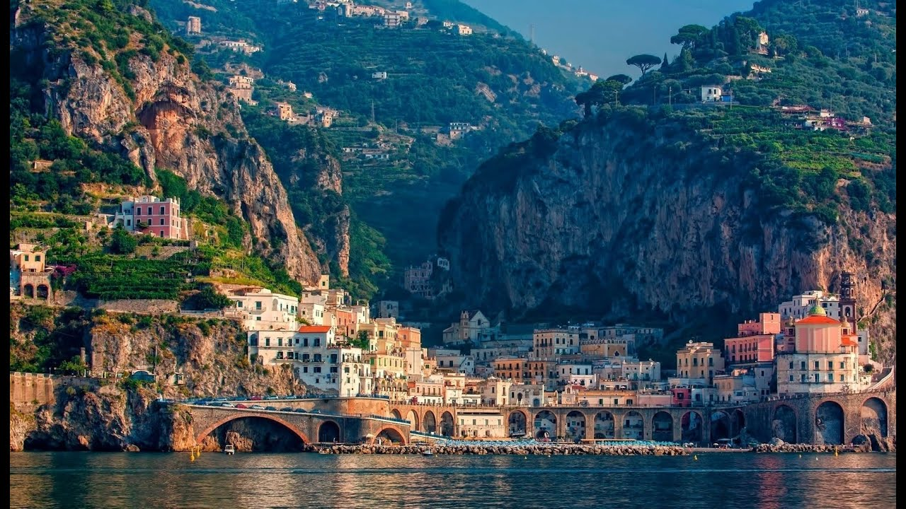 amalfi coast towns