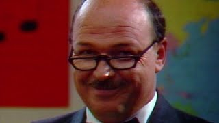 """""""Mean"""" Gene Okerlund: 2006 WWE Hall of Fame Inductee"""