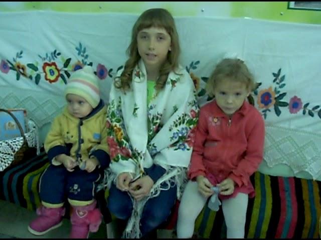 Изображение предпросмотра прочтения – АннаАлексеева читает произведение «Лиса и рак» (Русский фольклор )