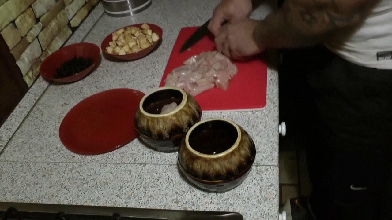 Макароны с курицей под соусом в мультиварке простой рецепт ужин.