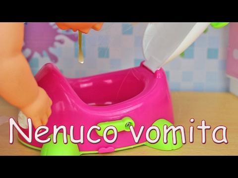 La Bebe Nenuco tiene un empacho y se pone malita, vomita muchísimo.