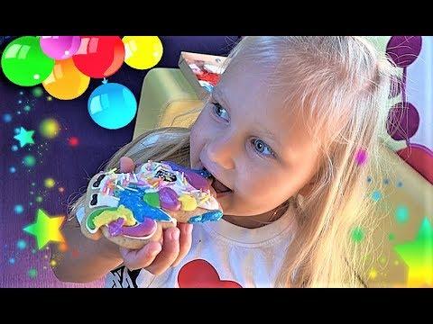 Видео для детей про ИГРУШКИ и куклу РЕБОРН Алиса или Toys And Dolls For Kids Play