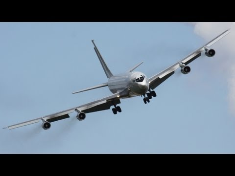 The Legendary Boeing 707 ! Touch & Go, Depature, Landing. HD