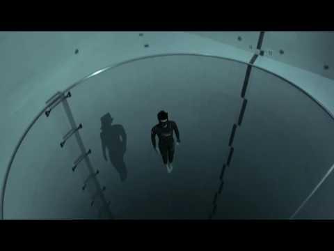 Погружение в бассейн глубиной 40 метров