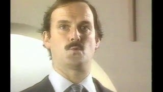 Sony Hi Fi with John Cleese 1982 TV Commercial