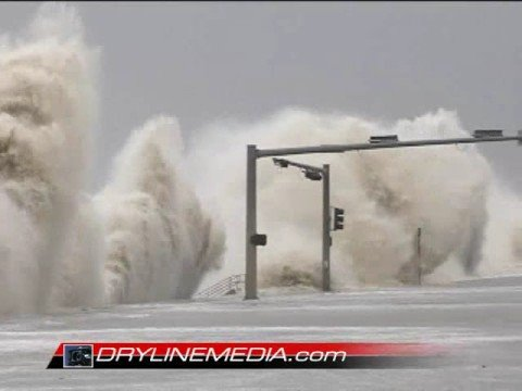 Hurricane Ike Storm Surge Bashing the Galveston Seawall