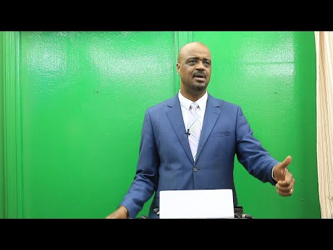 Damantang Albert Camara face à la presse
