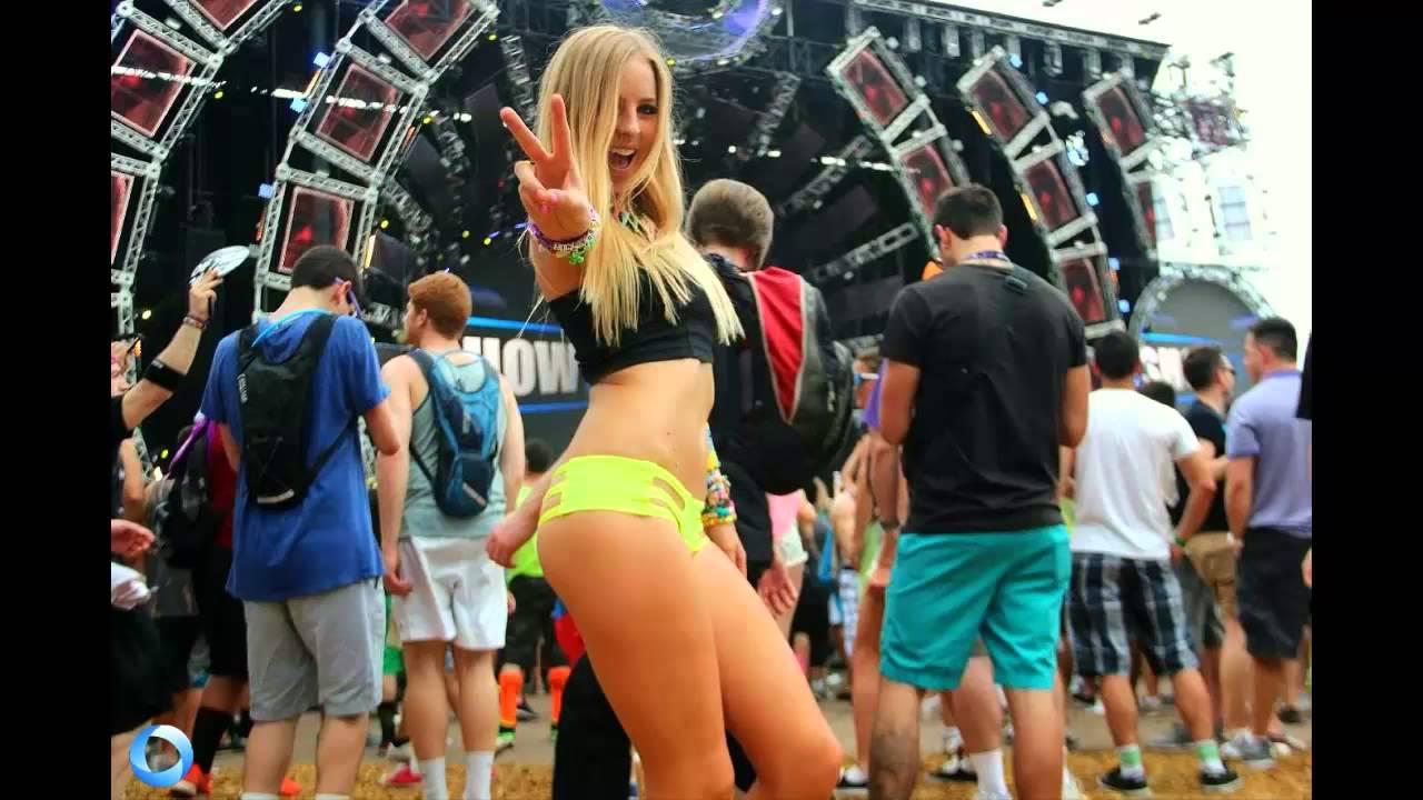 Chicas bailando en ropa interior - 1 7
