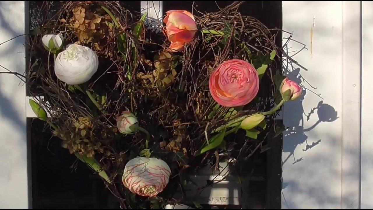 DIY: Herz aus Naturmaterialien mit Kunst Blumen - Türschmuck ...